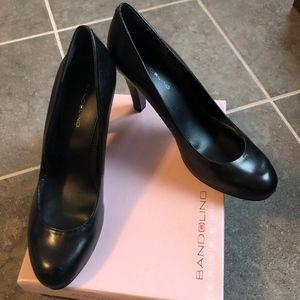 Women's Size 9 Bandolino Galleigh Black Heel